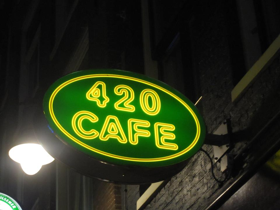 420 Cafe Amsterdam - Weed Recommend
