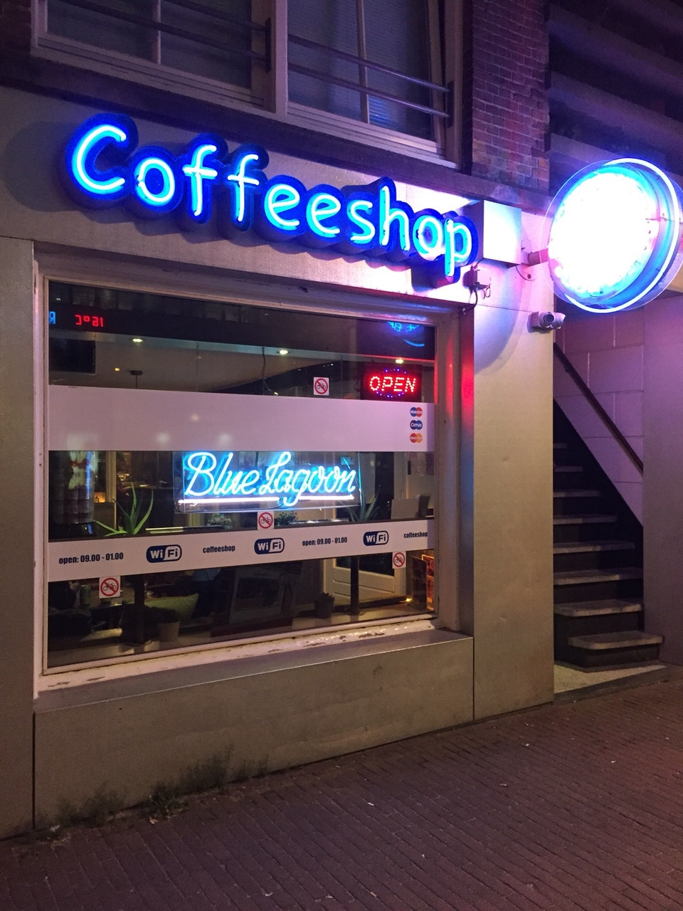 Blue Lagoon Coffeeshop Amsterdam - Weed Recommend