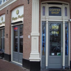 Happy People Coffeeshop Amsterdam - Weed Recommend